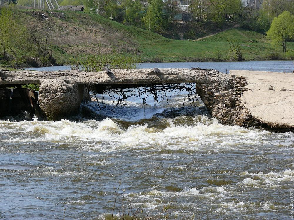 Плотина Троекуровской ГЭС